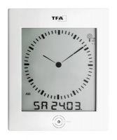 TFA Digitale Funk-Wanduhr mit analogem Zifferblatt und Raumklima DIALOG 60.4506